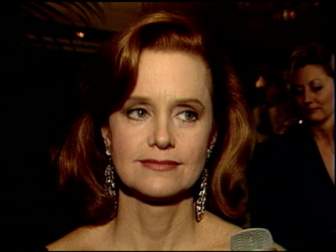 swoosie kurtz at the 1989 golden globe awards at the beverly hilton in beverly hills california on january 28 1989 - swoosie kurtz stock videos & royalty-free footage