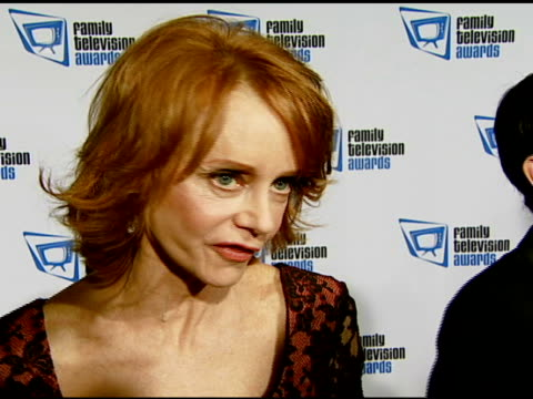 swoosie kurtz on the event and the family appeal of 'pushing daisies' at the ninth annual family television awards sponsored by the family friendly... - swoosie kurtz stock videos & royalty-free footage