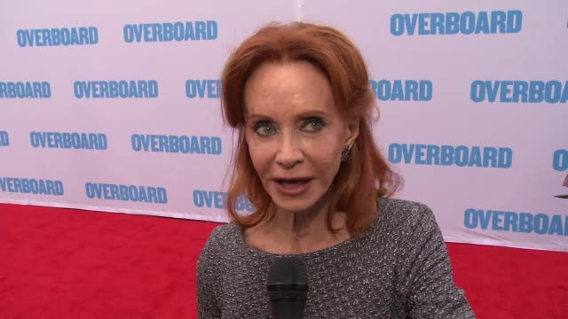 interview swoosie kurtz on what can you tell us about your character on can you tell us about your experience working with the cast and on what can... - swoosie kurtz stock videos & royalty-free footage