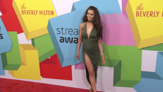 vídeos de stock, filmes e b-roll de syd wilder at the 2017 streamy awards at the beverly hilton hotel on september 26, 2017 in beverly hills, california. - the beverly hilton hotel