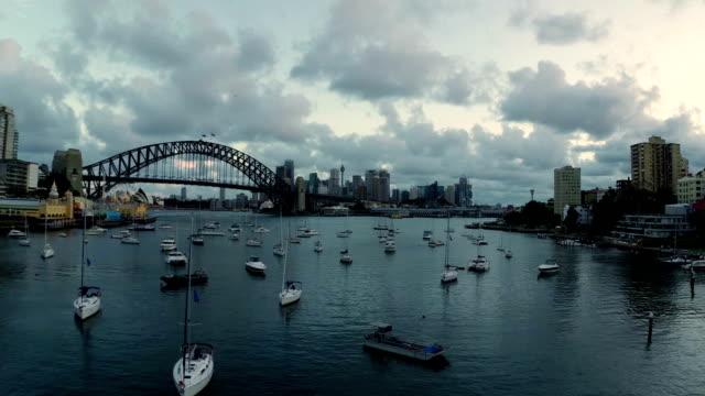 vídeos de stock, filmes e b-roll de sydney vista aérea - teatro de ópera
