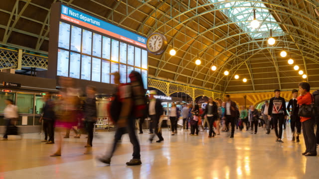 stockvideo's en b-roll-footage met time-lapse: sydney central treinstation - station