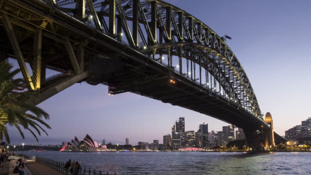 TL, WS Sydney Harbour Bridge at dusk / Sydney, Australia