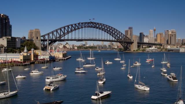 シドニー ハーバー ブリッジ、ルナ公園、シドニー、ニュー ・ サウス ・ ウェールズ、オーストラリア - アンテナ点の映像素材/bロール