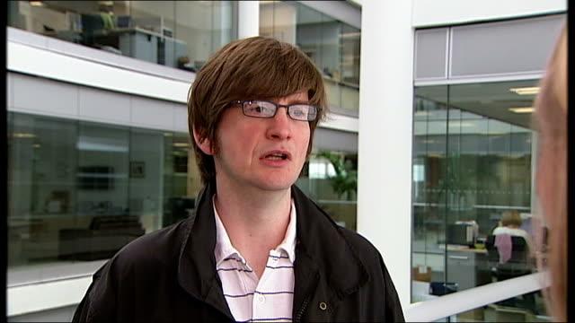 sydney pollack dies; england: london: gir: int stuart kemp interview sot - sydney pollack stock videos & royalty-free footage
