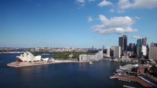 vídeos de stock, filmes e b-roll de horizonte de sydney, austrália - teatro de ópera