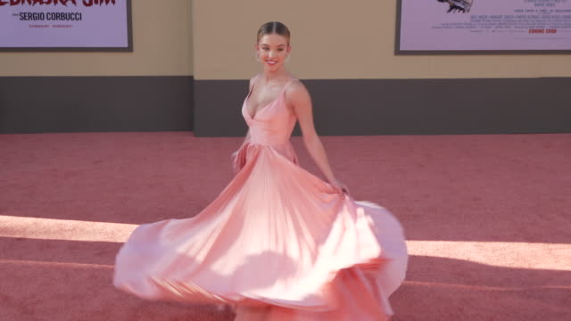 """sydney sweeney at the """"once upon a time in hollywood"""" premiere at tcl chinese theatre on july 22, 2019 in hollywood, california. - tcl chinese theatre stock videos & royalty-free footage"""