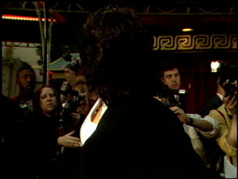 sylvester stallone at the beverly hills cop ii premiere at grauman's chinese theatre in hollywood, california on may 19, 1987. - 1987 bildbanksvideor och videomaterial från bakom kulisserna