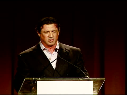 """stockvideo's en b-roll-footage met sylvester stallone on meeting mgm chairman and ceo harry sloan, and his role in """"rocky balboa"""" at the los angeles team mentoring 9th annual summer... - voorzitter"""