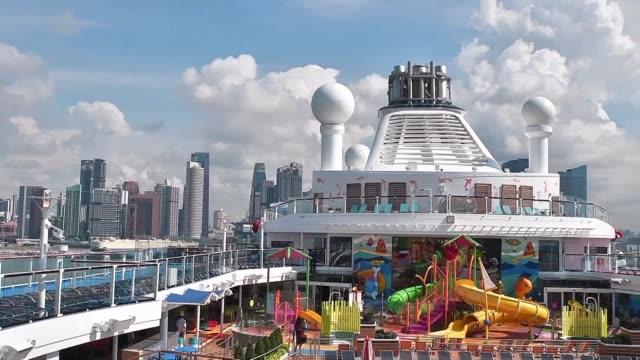 vídeos y material grabado en eventos de stock de sylvia bau a veteran cruise-goer is amazed at the rapid growth of liners over the years - sparks