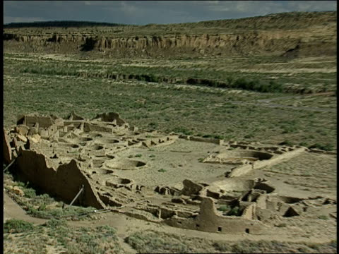 symmetrical patterns mark the ruins of pueblo bonito in new mexico. - chaco culture national historical park stock videos & royalty-free footage