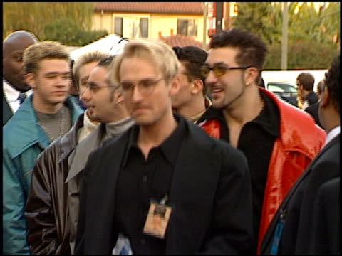 'n sync at the 1999 american music awards entrances at the shrine auditorium in los angeles california on january 11 1999 - n sync stock-videos und b-roll-filmmaterial
