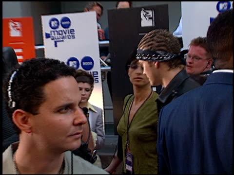 'n sync at the 2000 mtv movie awards at sony studios in culver city california on june 3 2000 - n sync stock-videos und b-roll-filmmaterial