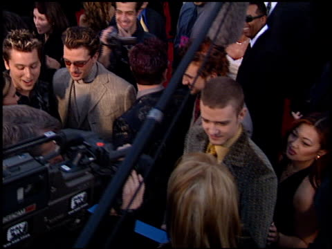 'n sync at the 2001 grammy awards at staples in los angeles california on february 21 2001 - n sync stock-videos und b-roll-filmmaterial