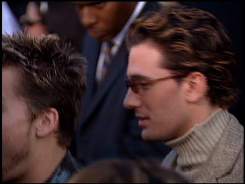 vídeos de stock, filmes e b-roll de 'n sync at the 2001 grammy awards at staples in los angeles california on february 21 2001 - n sync