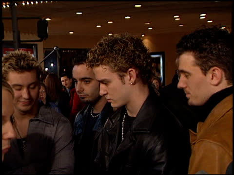 'n sync at the premiere of 'the green mile' at the mann village theatre in westwood california on december 6 1999 - n sync stock-videos und b-roll-filmmaterial
