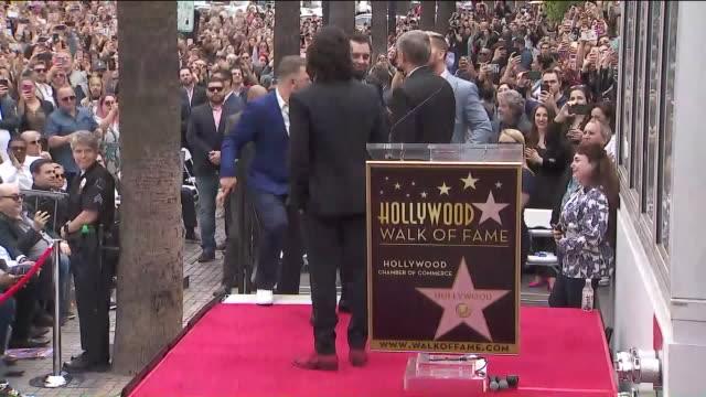 vídeos de stock, filmes e b-roll de ktla'n sync receiving star on hollywood walk of fame - n sync