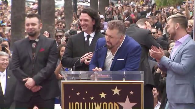 vídeos de stock, filmes e b-roll de ktla 'n sync receiving star on hollywood walk of fame - n sync