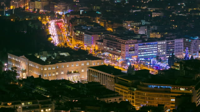 syntagma square at night with traffic. 4k time lapse - athens greece stock videos & royalty-free footage