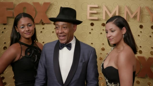 vídeos y material grabado en eventos de stock de syr esposito, giancarlo esposito and ruby esposito at the 71st emmy awards - arrivals at microsoft theater on september 22, 2019 in los angeles,... - premios emmy