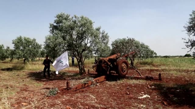 SYR: Syrian fighters fire heavy artillery guns from Idlib against regime positions