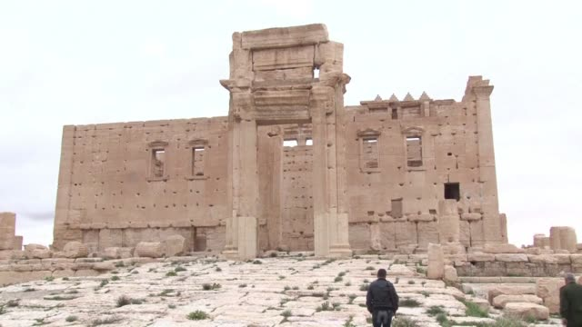 Syrian government forces recaptured the famed ancient city of Palmyra on Sunday in a major symbolic victory over the Islamic State jihadist group