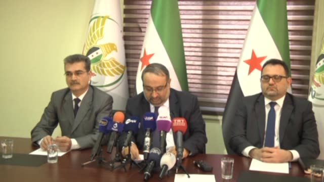 vidéos et rushes de syrian interim government prime minister ahmad tuma speaks during a press conference about the syrian civil war and russian airstrikes in syria on... - attaque aérienne