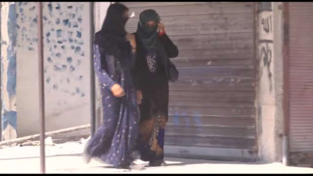 syrian people are seen in jarabulus and life is returning to normal days after turkey's euphrates shield started, with many workplaces re-opening and... - isil konflikt stock-videos und b-roll-filmmaterial
