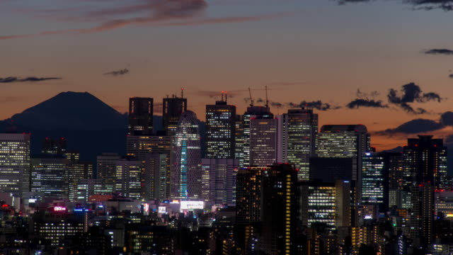 M't fuji and shinjuku cityscape time lapse at dusk