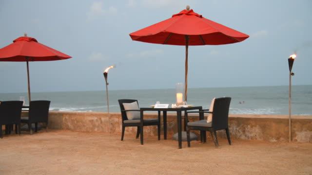 Table beach dinner