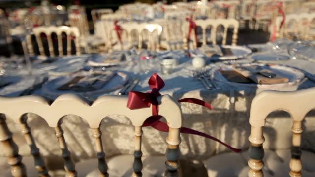 vídeos de stock e filmes b-roll de decoração de mesa - formal