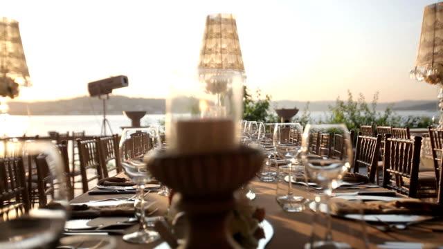 vídeos y material grabado en eventos de stock de decoración de mesa - industria alimentaria
