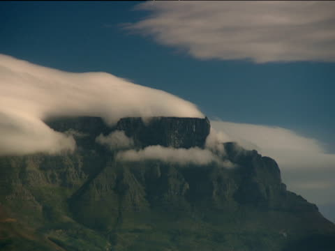 Table Mountain with layer of cloud resting on top