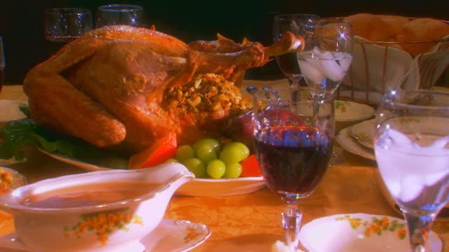 vídeos y material grabado en eventos de stock de table set for thanksgiving dinner, jib shot - jib shot