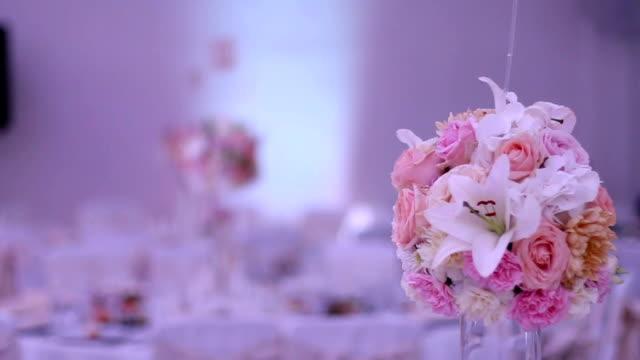 vídeos de stock e filmes b-roll de table set for wedding - formal