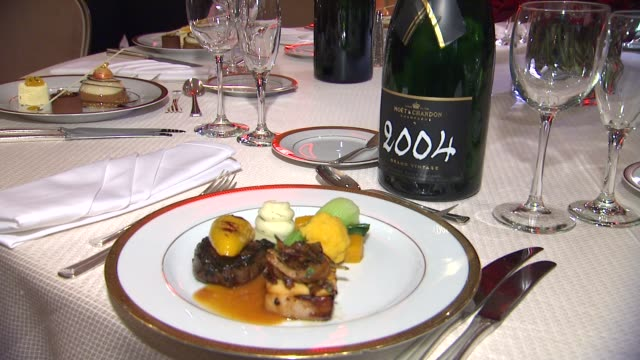 atmosphere table setting and dish at the beverly hilton unveils menu for 70th annual golden globe awards atmosphere table setting and dish at the... - the beverly hilton hotel stock videos & royalty-free footage