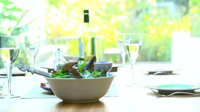 HD DOLLY: Tisch für Mittagessen