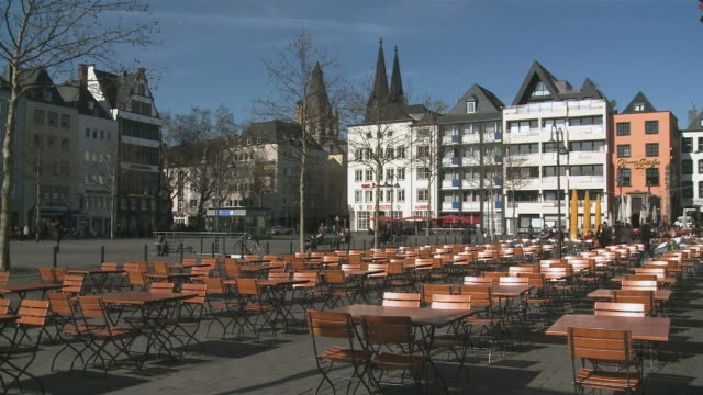ws tables and benches on rhine promenade at frankenwerft / cologne, north rhine-westphalia, germany  - pedestrian walkway stock videos & royalty-free footage
