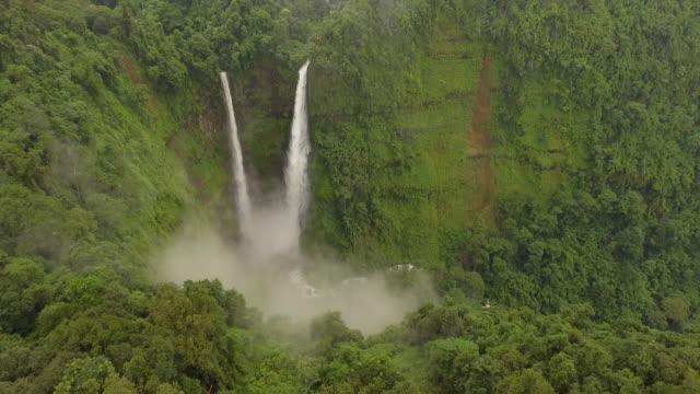Tad Fan Twin Waterfalls Bolaven Plateau, Laos