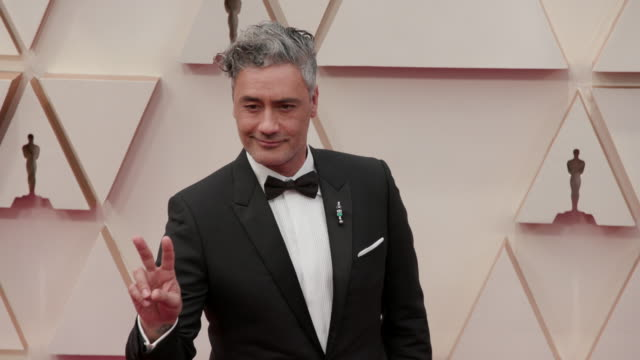 slomo taika waititi at dolby theatre on february 09 2020 in hollywood california - academy awards stock videos & royalty-free footage