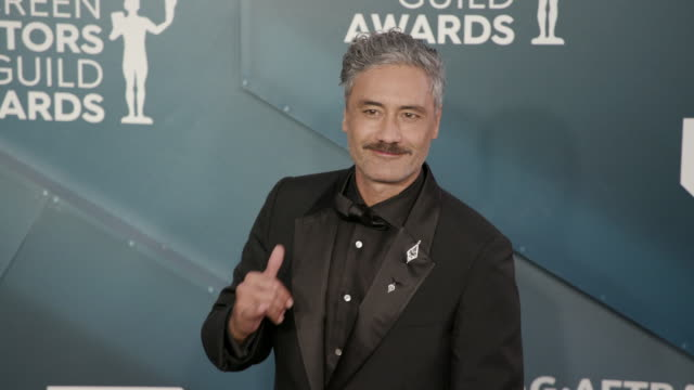 taika waititi at the shrine auditorium on january 19, 2020 in los angeles, california. - screen actors guild stock videos & royalty-free footage