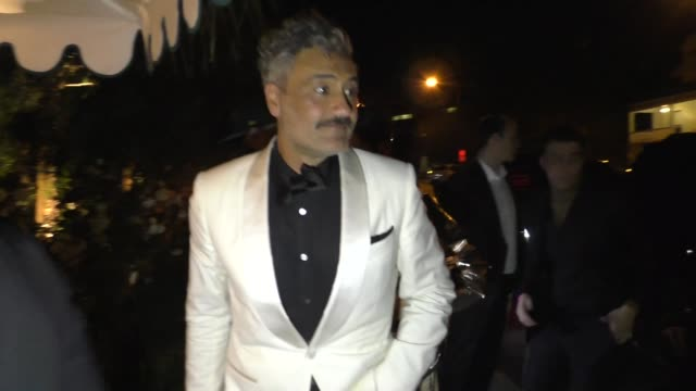 taika waititi outside san vicente bungalows in west hollywood in celebrity sightings in los angeles, - arts culture and entertainment stock videos & royalty-free footage
