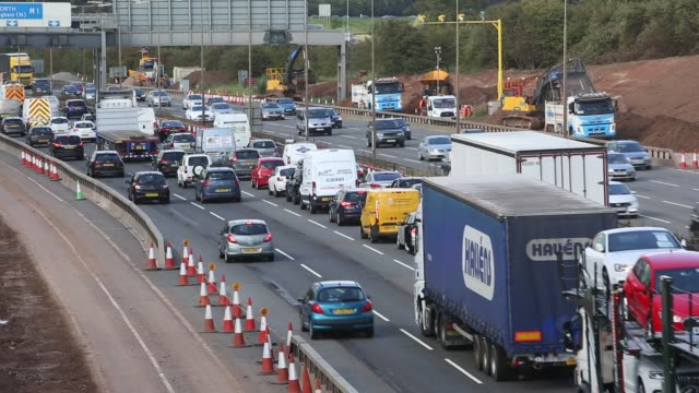tailbacks on the m1 motorway in the east midlands caused by roadworks, uk. - major road stock videos & royalty-free footage