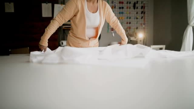 Schneider in ihrem Atelier