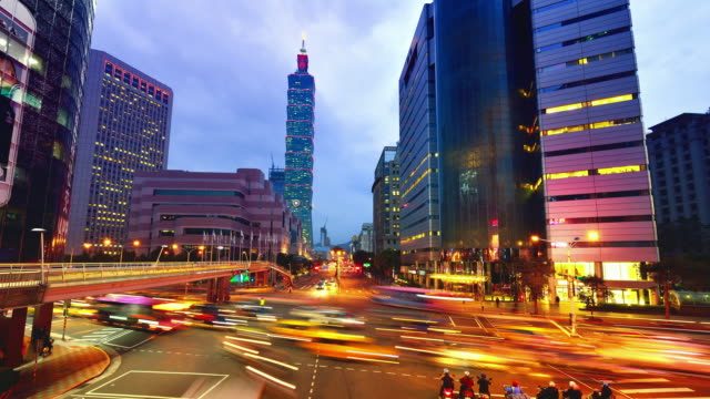 taipei cityscape and taipei 101 tower, sunset to night - taiwan stock videos and b-roll footage