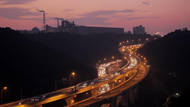 taipei highway at night, taiwan - 台北市点の映像素材/bロール
