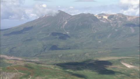 taisetsu mountain range in hokkaido - satoyama scenery stock videos & royalty-free footage
