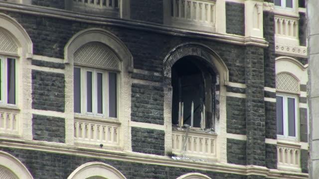 taj hotel following terror attacks, mumbai, india - 2008 stock-videos und b-roll-filmmaterial