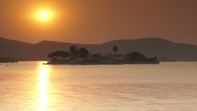 Taj Lake Palace Hotel on Lake Pichola at Sunset, Udaipur, India