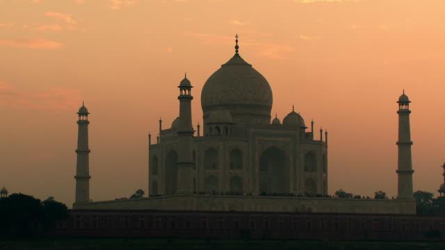 Taj Mahal and birds